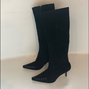 Brand new Cindy Says pointed toe suede boot sz 7